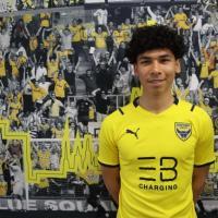 Former Singaporean footballer Ben Davis leaves Fulham for Oxford United.
