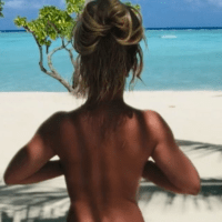 To celebrate her freedom, Britney Spears puts up nude photos on Instagram.