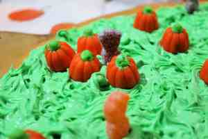 zombie pumpkin patch cookie pizza add sour patch zombies