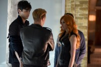 """SHADOWHUNTERS - """"The Descent Into Hell is Easy"""" - Clary's memories may be the key to finding her mother and The Mortal Cup in """"The Descent Into Hell is Easy,"""" an all-new episode of """"Shadowhunters,"""" airing Tuesday, January 19th at 9:00 – 10:00 p.m., EST/PST on Freeform, the new name for ABC Family. ABC Family is becoming Freeform on January 12, 2016. (ABC Family/John Medland) MATTHEW DADDARIO, DOMINIC SHERWOOD, KATHERINE MCNAMARA"""