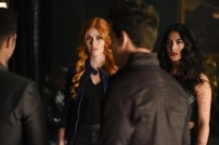 """SHADOW HUNTERS - """"Morning Star"""" - Time is running out for the Shadowhunters to stop Valentine in """"Morning Star,"""" the season finale of """"Shadowhunters,"""" airing TUESDAY, APRIL 5 (9:00 - 10:00 p.m. EDT) on Freeform. (Freeform/John Medland) KATHERINE MCNAMARA, EMERAUDE TOUBIA"""