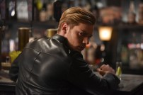 """SHADOWHUNTERS - """"Those of Demon Blood"""" - After several Shadowhunters are killed, The Institute turns to controversial methods to prevent a Downworlder uprising in ÒThose of Demon Blood,Ó an all-new episode of ÒShadowhuntersÓ airing Tuesday, June 19 (8:00 - 9:00 PM ET/PT). (Freeform/John Medland) DOMINIC SHERWOOD"""