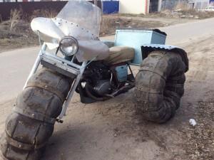オートバイからのスノーモービル