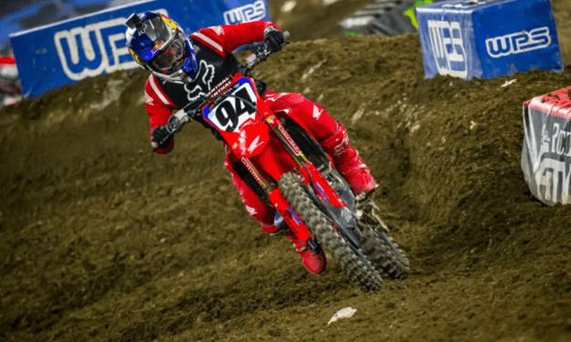 Roczen Moves into AMA Supercross Points Lead at Anaheim 2
