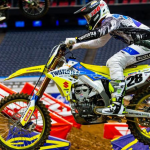 SUZUKI TEAMS FIGHT HARD AT HOUSTON 2 SUPERCROSS