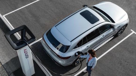 Mercedes-Benz EQC SUV electric charging
