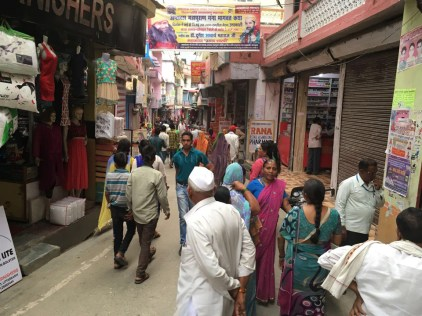 Back to a semi-crowded lane of the Uttarkashi market; Photo: Swarjit Samajpati