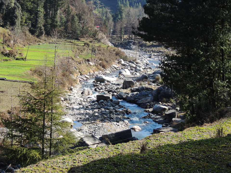 The Uhl river twisting and turning its way towards Barot; Photo: Abhishek Kaushal