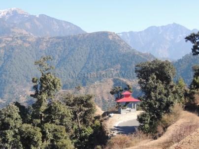 A place to enjoy the beautiful views between Jhatingri and Tikan; Photo: Abhishek Kaushal