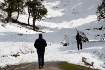 """Abhishek prepares a snow ball to give a """"warm"""" welcome to Sanjay on the way to Hatu Peak"""