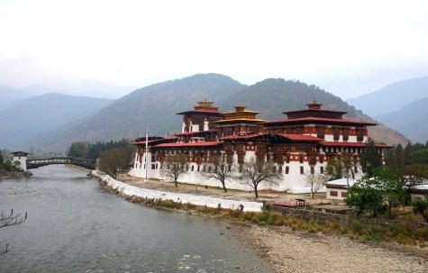 Closer to the beautiful Punakha Dzong; Photo: Kaushik Naik