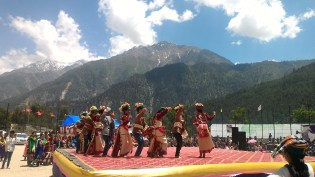 School children performing at the Sangla Festival 2016; Photo: Abhinav Kaushal