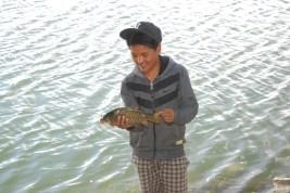Fisherman with the catch; Photo: Abhinav Kaushal