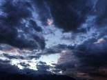 Finally, the deep, dark-grey clouds gather momentum as a light rain breaks through the strong wind; 7.27 pm; Photo: Sanjay Mukherjee