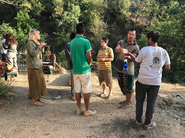 Chai time discussions on the plans for the day; Photo: Abhinav Kaushal
