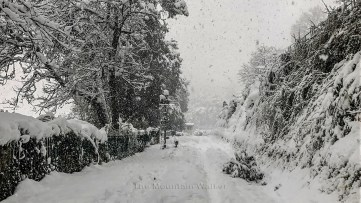 Heavy snowfall at Summerhill Railway Station in Shimla; Photo: Abhinav Kaushal