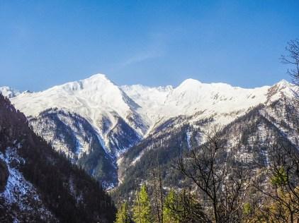 Fresh snow fall on the peaks in 2014; Photo: Swarjit Samajpati