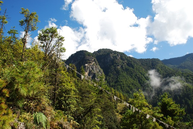 Hike to Tiger Nest 03