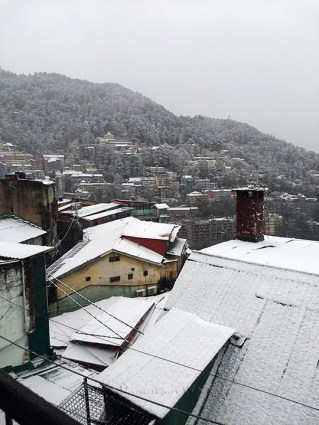 First snowfall of this winter in Shimla; Photo Dixit Dutt