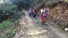 Women carrying heavy load for their day to day activities; Photo: Abhinav Kaushal