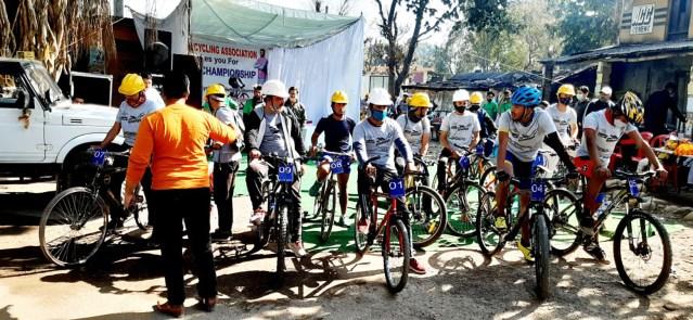 The starting line-up at Bilapsur