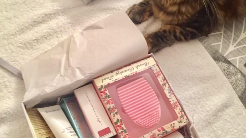 Les box… Un peu comme les pochettes surprises! #1 Glossybox