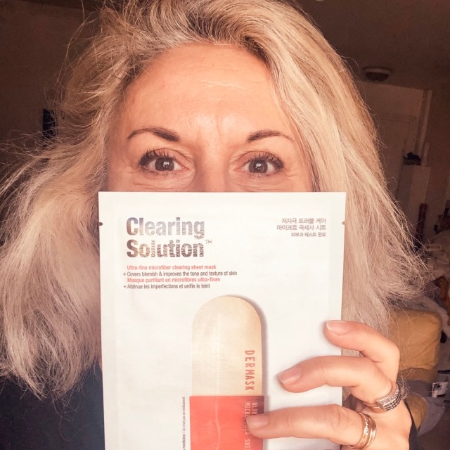 Test, maskchallenge, dr jart, quinqua, silverhair, teamsilver, blogueusedusud, over50andfabulous, 50andfabulous, clearing solution, imperfections,