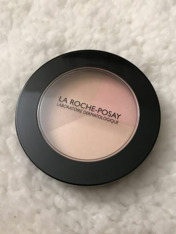 greyhair, maquillage gris, silverhair, astuce maquillage, blogueusedusud, smokyeyes, quinqua, effet trompe l'œil,
