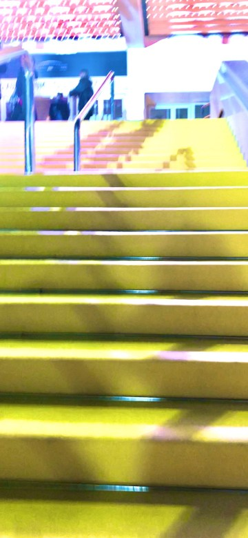 Harley quinn, soldes à San remo, la parenthèse, 50 ans, plaisir des yeux, shopping à San remo, video, San Remo, voyage, antiage, birds of prey, batman, quinqua, Youtube, etatsdespritduvendredi, joker, travel, silver, les états d'esprit du vendredi, quadra, Mode, themouse, Fashion, chronique, beautytube, eev,