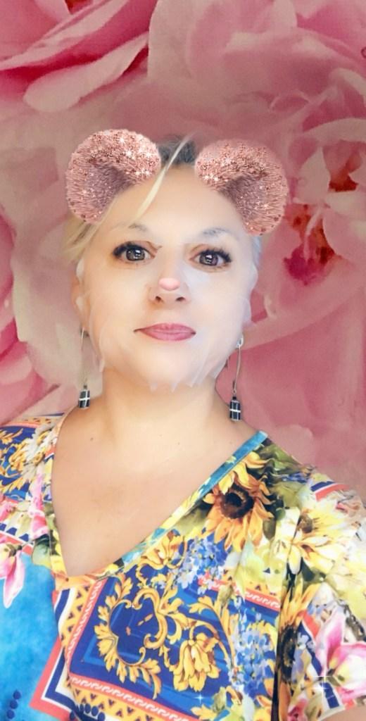 test, beauty, masqueinvisible, makeup, midflower, Beauté, quinqua, silversisters, beautea, silkara, maskchallengeunecitadine, makeupgeek, RosaDamascena, blogueusedusud, cheveuxgris, mask, masque, rosededamas, silverhair,