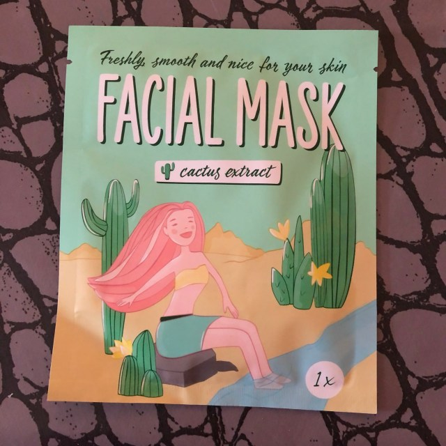 beauty, silverhair, silversisters, makeupgeek, maskchallengeunecitadine, makeup, mask, masque, cactus, aloevera, allantoine, facialmaskcactus