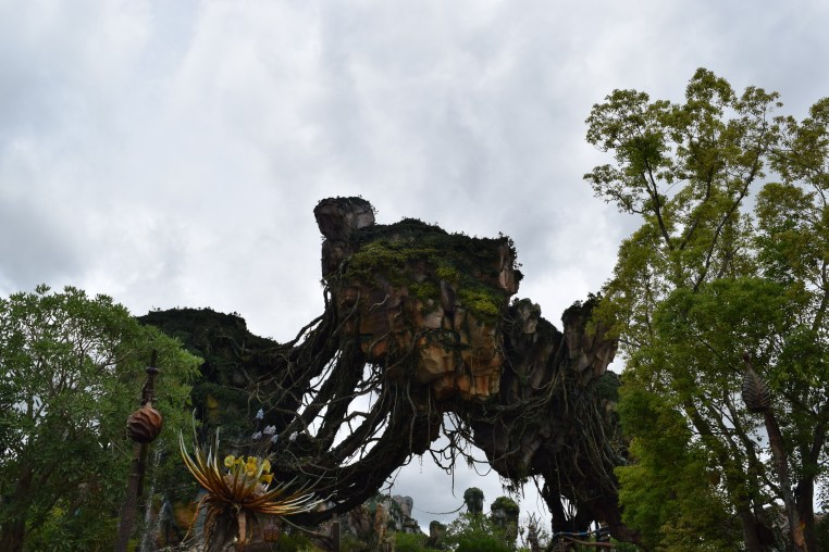 Pandora: The World of Avatar floating mountains