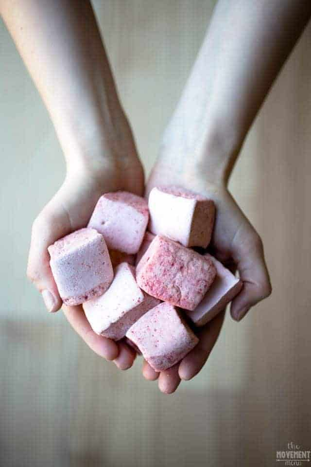 Easy homemade paleo marshmallows