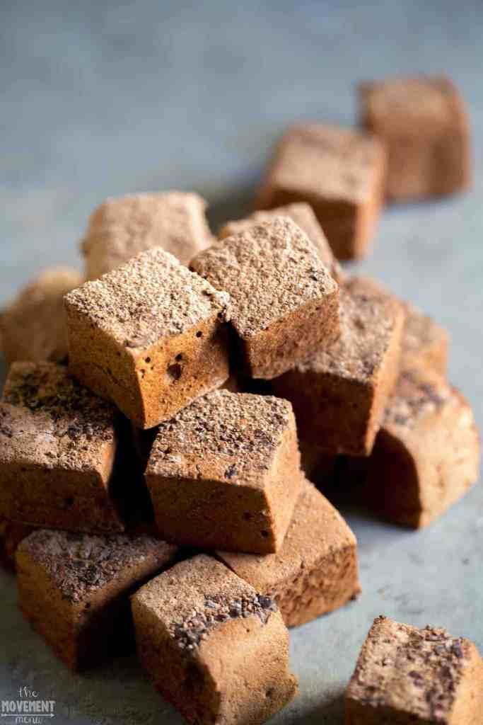 Best Sugar free healthy Marshmallows! Easy Paleo gluten free dessert and snack recipe. Healthy paleo candy recipe.