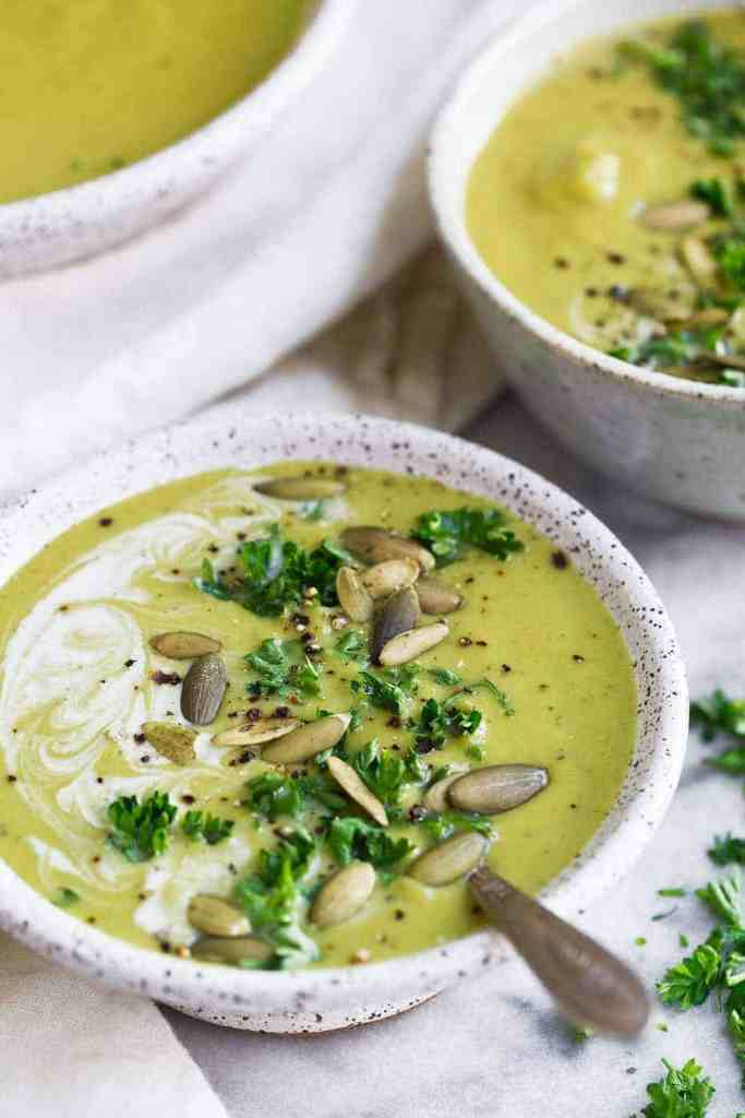 A delicious Whole30 Cream of Broccoli Soup that is quick to make and perfect for lunch or dinner. This creamy whole30 soup recipe is delicious and great for the whole family! #whole30recipes #whole30soup #dairyfree