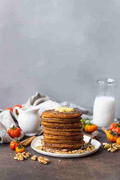 Easy Paleo Pumpkin Pancakes recipe that's absolutely to die for! These paleo pancakes are sweetened lightly with dates and are just the perfect amount of fluffiness. Low carb paleo pancakes. Low carb pumpkin recipes. Coconut flour paleo pancakes. Coconut flour pumpkin pancakes. Healthy pumpkin pancakes. Paleo pumpkin recipes. Gluten free pumpkin recipes. Paleo pumpkin breakfasts. Best paleo pancakes. Easy paleo pumpkin pancakes.