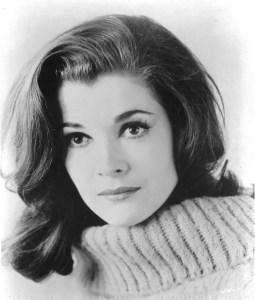 Younger Jessica Walter was a triple threat (and still is): Sing, Dance, Act