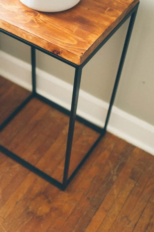 DIY Hacks From IKEA That You Can Do On A Tiny Budget #ikeahack #homedecor #sidetable