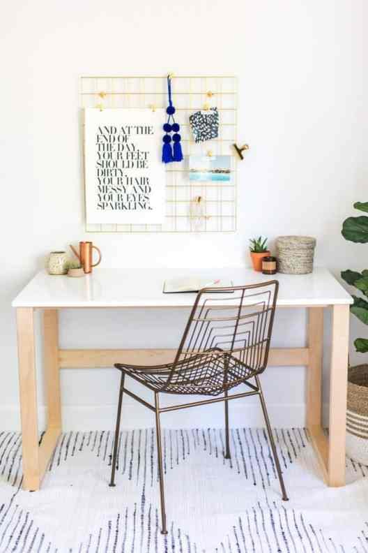 Small Home Office Ideas That Will Make You Want to Work Overtime, Small Home Office layout #chichomeoffice