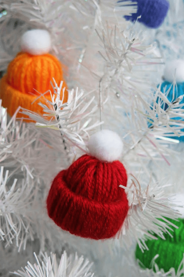 11 Stunning DIY Christmas Decorations You Have To Make This Year #christmasdecorations #rusticchristmas #easychristmascrafts #festivedecorations