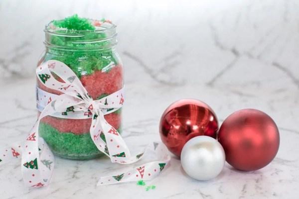 19 Inexpensive Christmas Homemade Gift Ideas