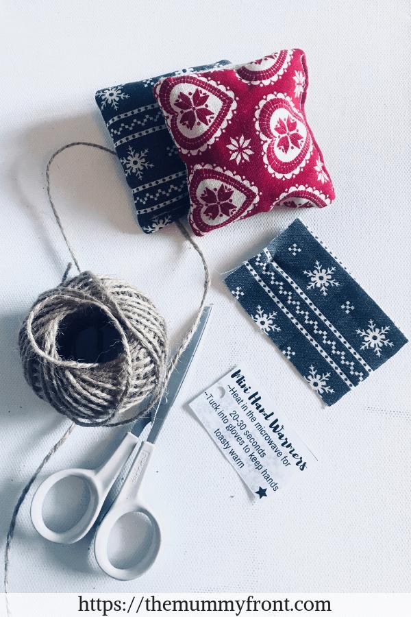 DIY Hand Warmers | The Perfect Handmade Christmas Gift Idea! Cheap & Easy Christmas gift, christmas craft, diy christmas gift, festive craft