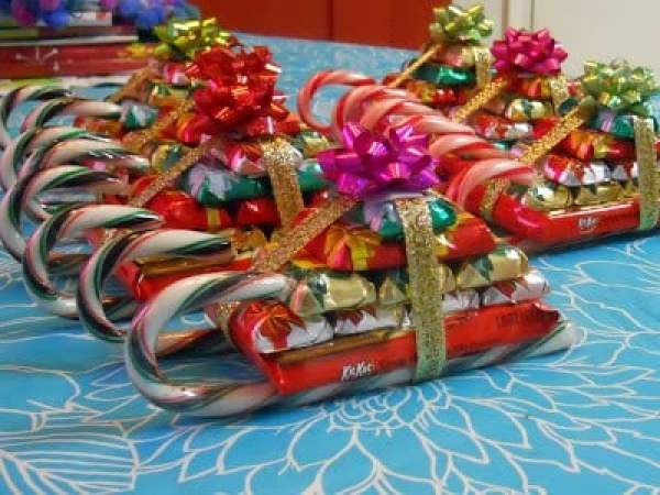 24 DIY Christmas Gifts That Your Friends Would Love To Get This Year | Handmade Christmas Gift Ideas | Inexpensive DIY Gift Ideas | Christmas Gift Ideas | Best Handmade Gifts Via: https://themummyfront.com #diychristmasgifts #themummyfront #handmadegifts | Candy Sleigh