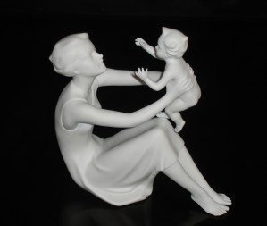 Kaiser Mother and Child figurine