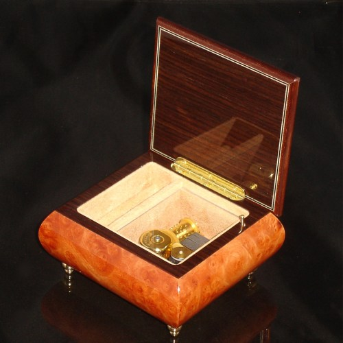 Italian Jewelry Box Burl Elm 17CF opened no cover