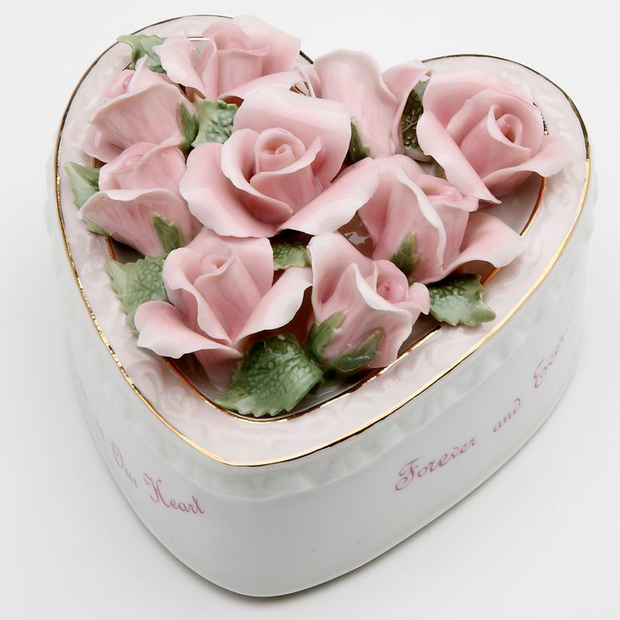 Porcelain musical Mom Heart flowers