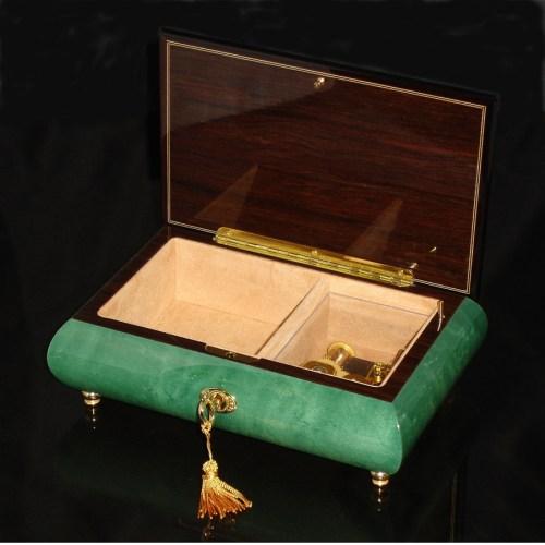 Italian Inlaid Musical Jewelry Box 02CF Green opened no cover