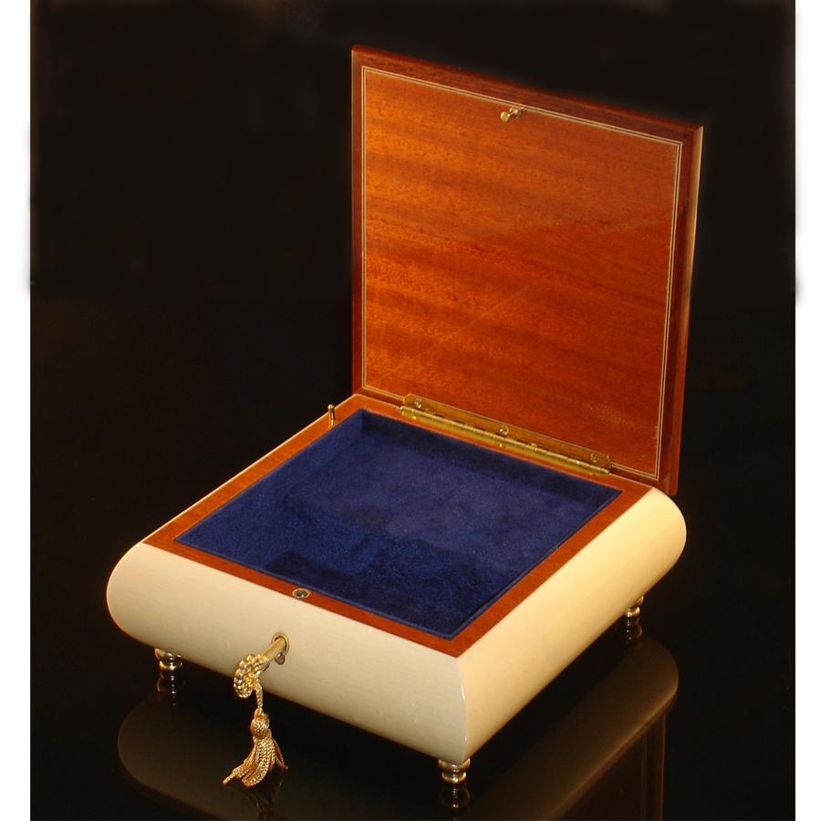 Italian Jewelry Box Star of David opened