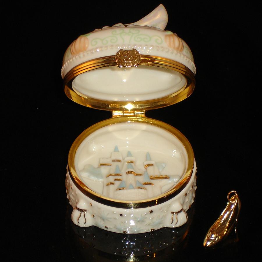 Lenox Cinderella Slipper hinged box opened