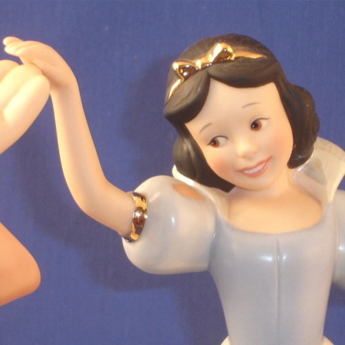 Snow White Dancing close-up